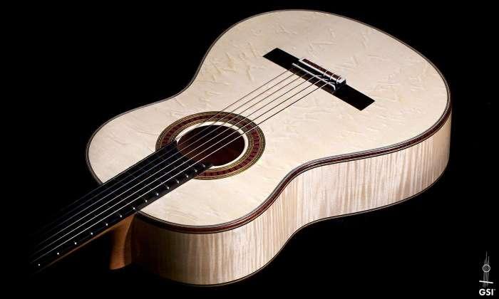 Guitar_Salon_International_Otto_Vowinkel Maple Spruce